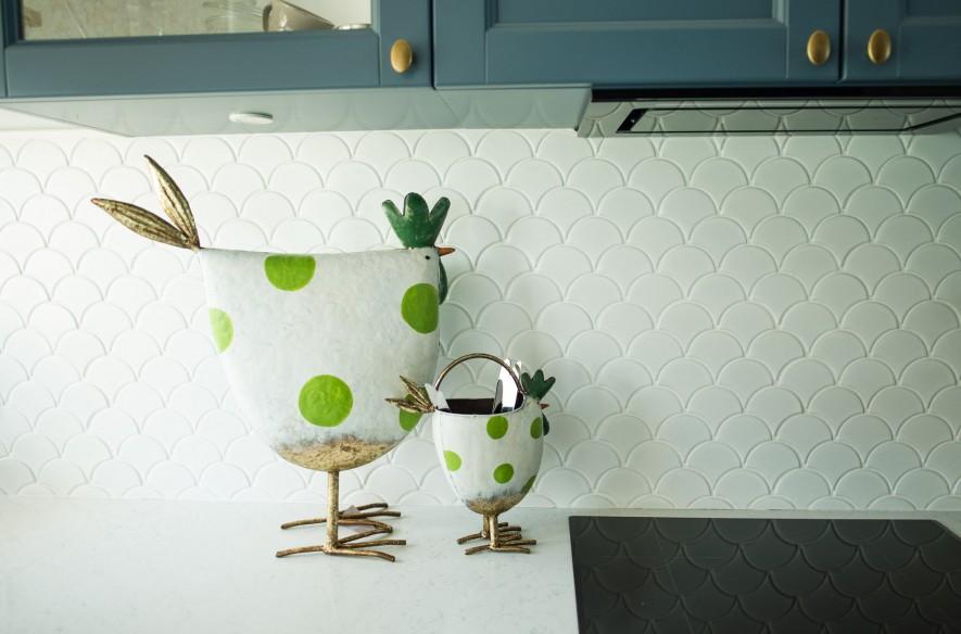 Kura z metaloplastyki od Home Decoration