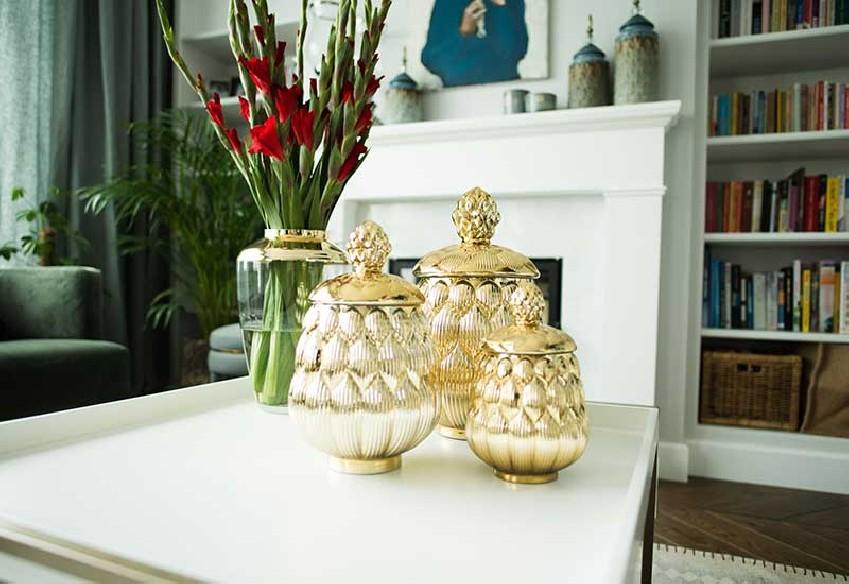 Dekoracyjne złote pojemniki