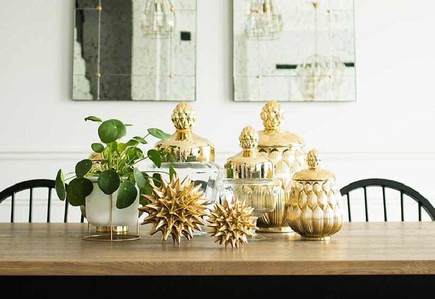 Figurka dekoracyjna złota